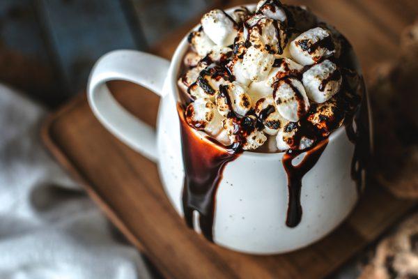 How to: chocoladevlekken verwijderen met melk en eieren